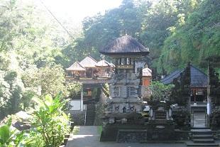 ティルタ・スダルマ寺院
