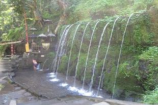 12本の滝