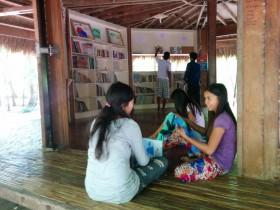 カオハガン図書室 (1)